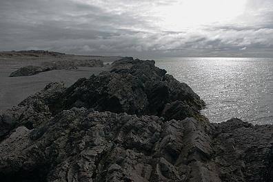 Скалы на западном берегу Долгого